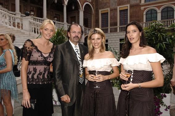 http://www.harpissimo.com/image/2007/palais_juin07_2.jpg